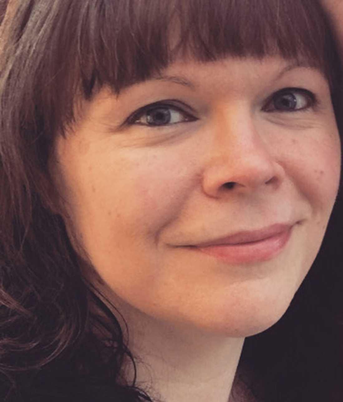 Föräldern och förskoleanställda Johanna Sjösund tycker att pepparkaksbeslutet är tråkigt.
