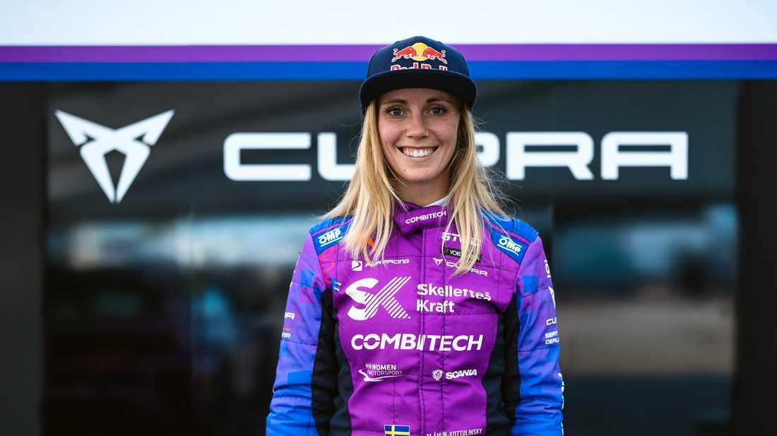 """""""Jag fram emot att jobba med teamet mot min nästa dröm, att som första kvinna vinna mästerskapet"""", säger Mikaela Åhlin-Kottulinsky."""