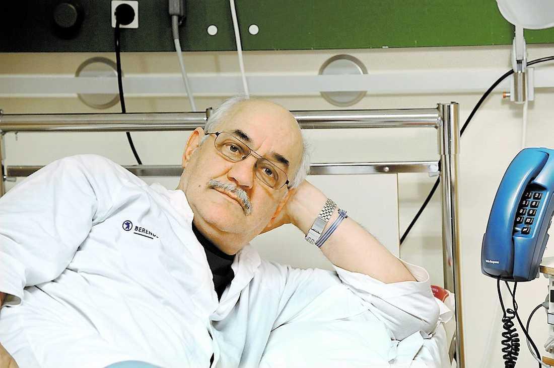 Mokhtar Chergui, 64, vilar ut på sjukhuset.