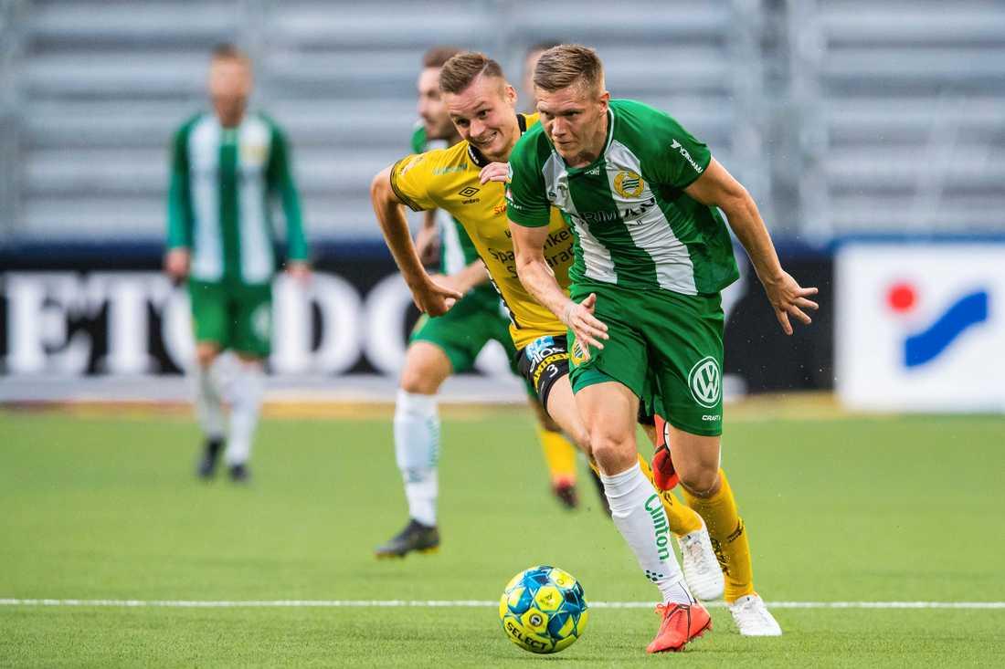 Aron Jóhannsson under debuten mot Elfsborg.