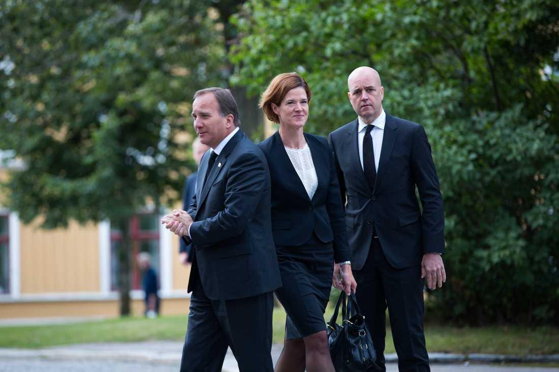 Stasminister Stefan Löfven, moderaternas partiledare Anna Kinberg Batra och förre statsministern Fredrik Reinfeldt.