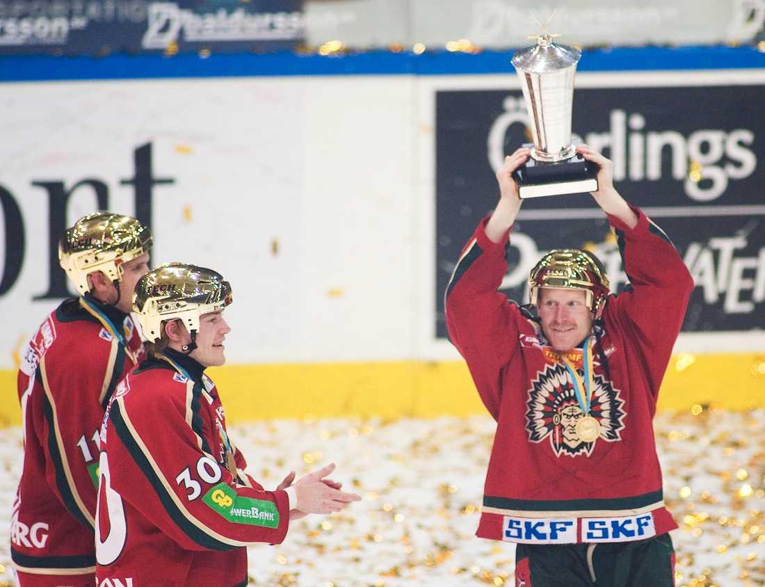 Lockout-säsongen 2004-05 kom Alfredsson hem till Frölunda – och vann SM-guld.
