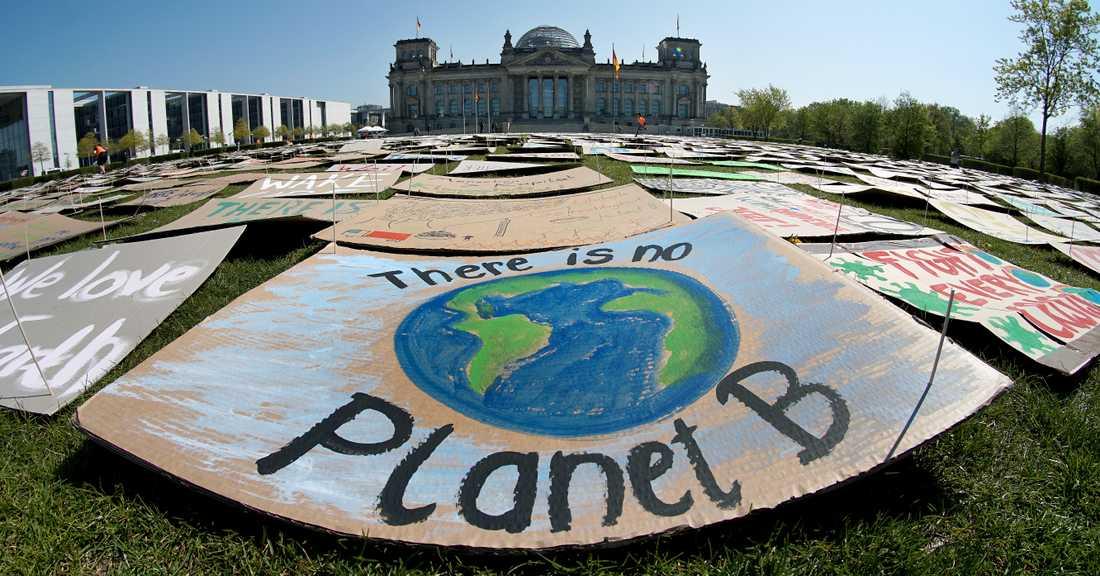 En klimatdemonstration – utan deltagare på grund av coronapandemin – i Berlin i Tyskland den 24 april.