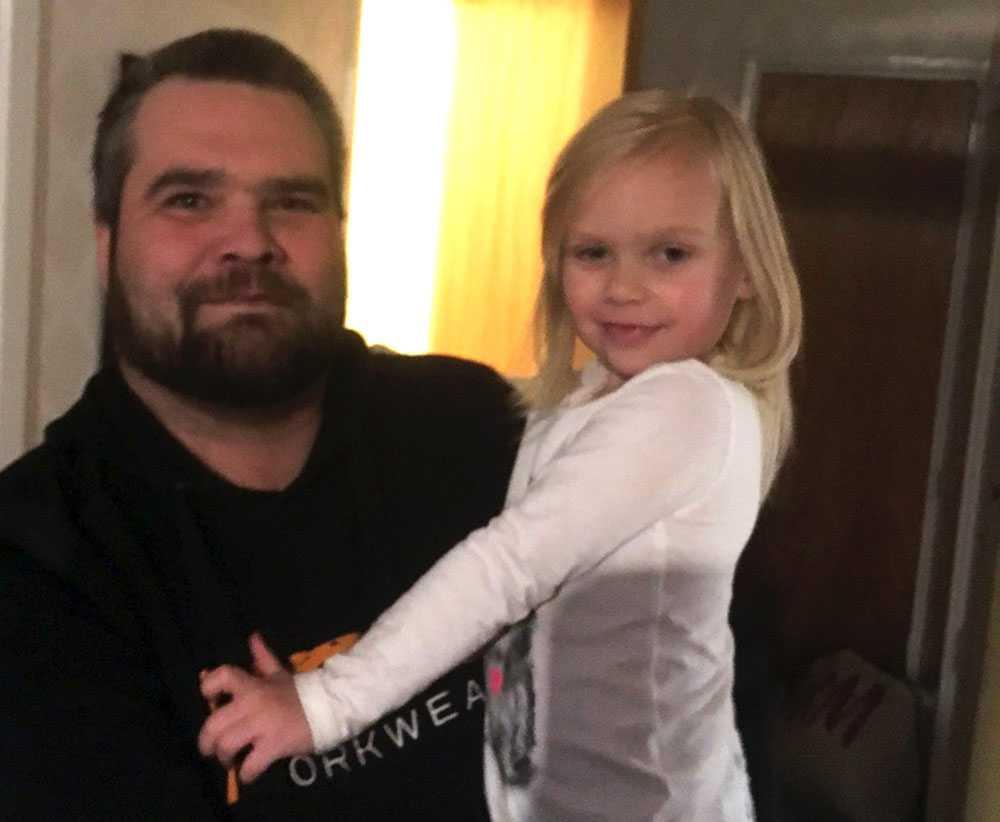 Mikael Kleven, 44, och dottern Estelle Kleven, 3,5, från Eskilstuna.
