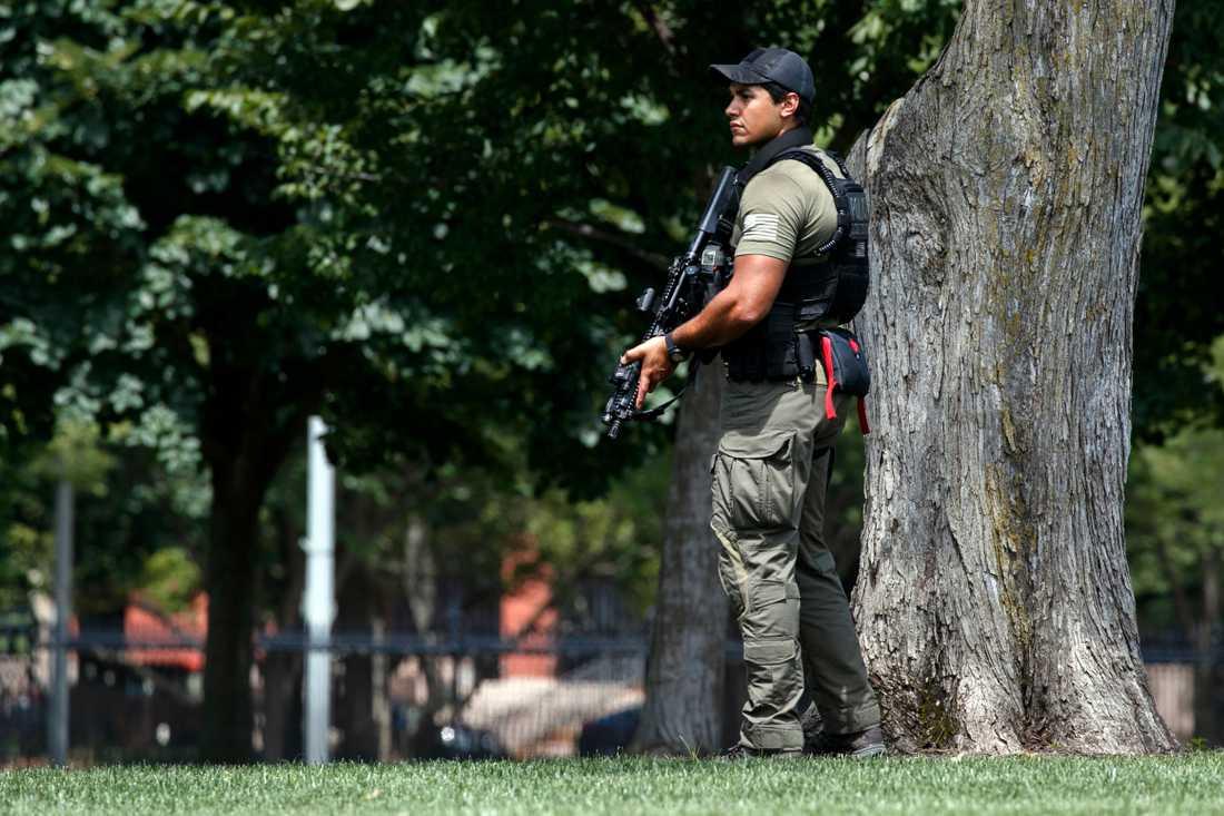 Stor säkerhetspådrag utanför Vita huset. En person har gripits.