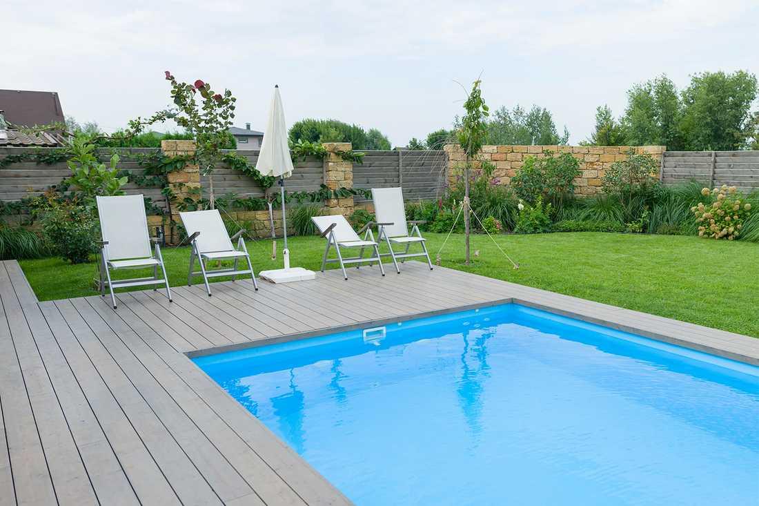 Det borde vara förbjudet att skaffa pool hemma, skriver Lena Mellin.