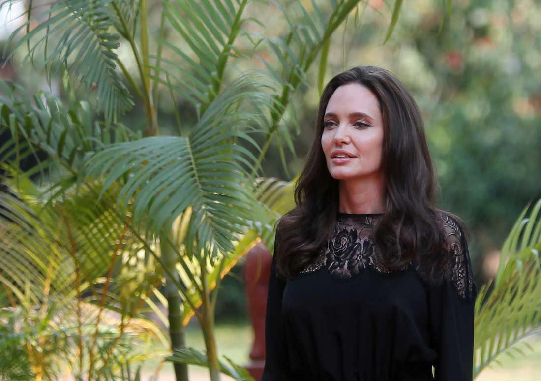 Angelina Jolie ska ha åkt direkt från Kambodja till Stockholm.