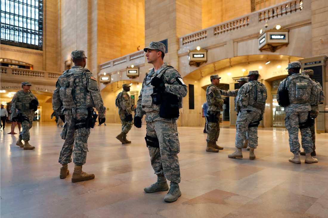 Tung bevakning på Grand Central Station i New York.