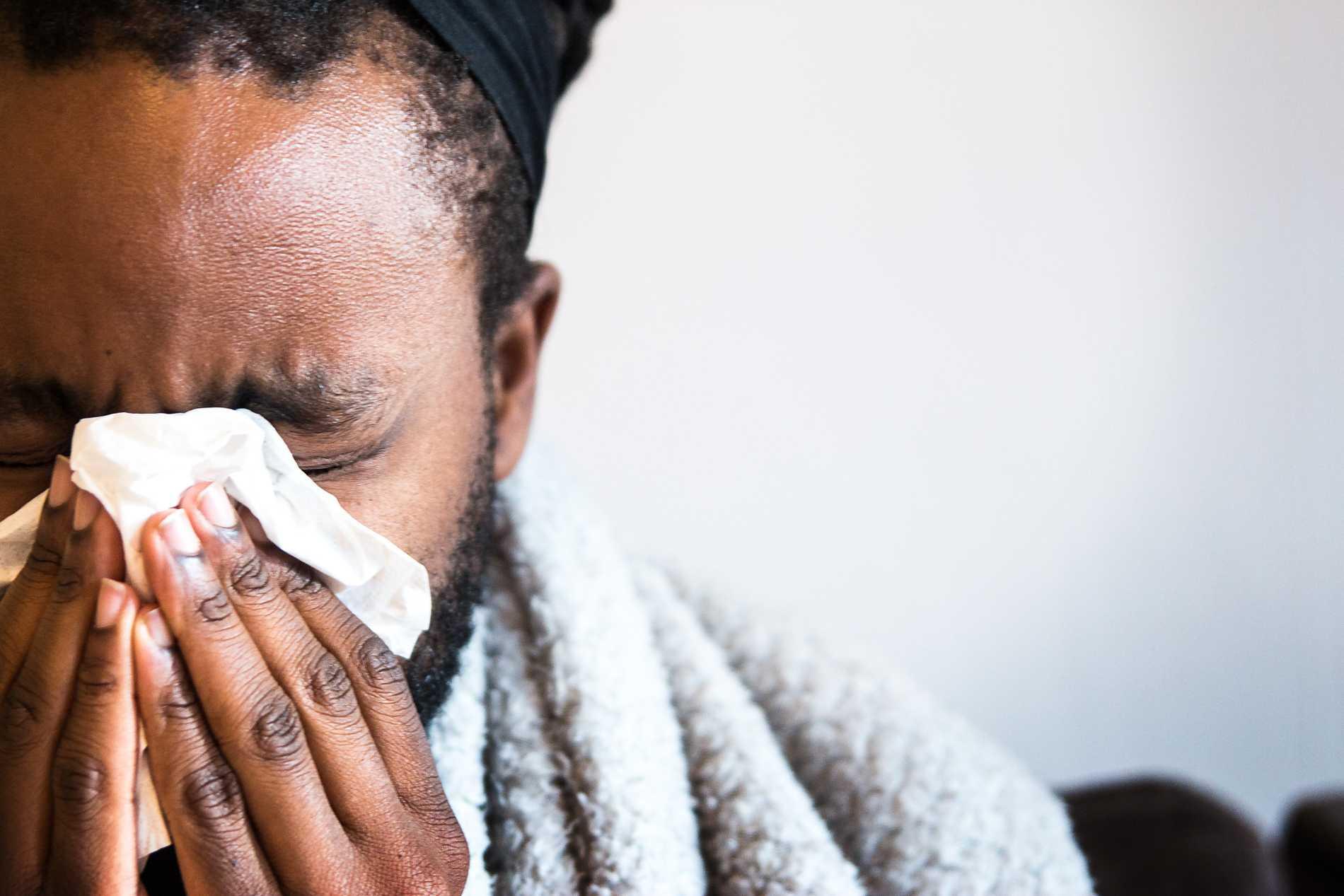Symtomen på deltavarianten påminner mycket om en vanlig förkylning.