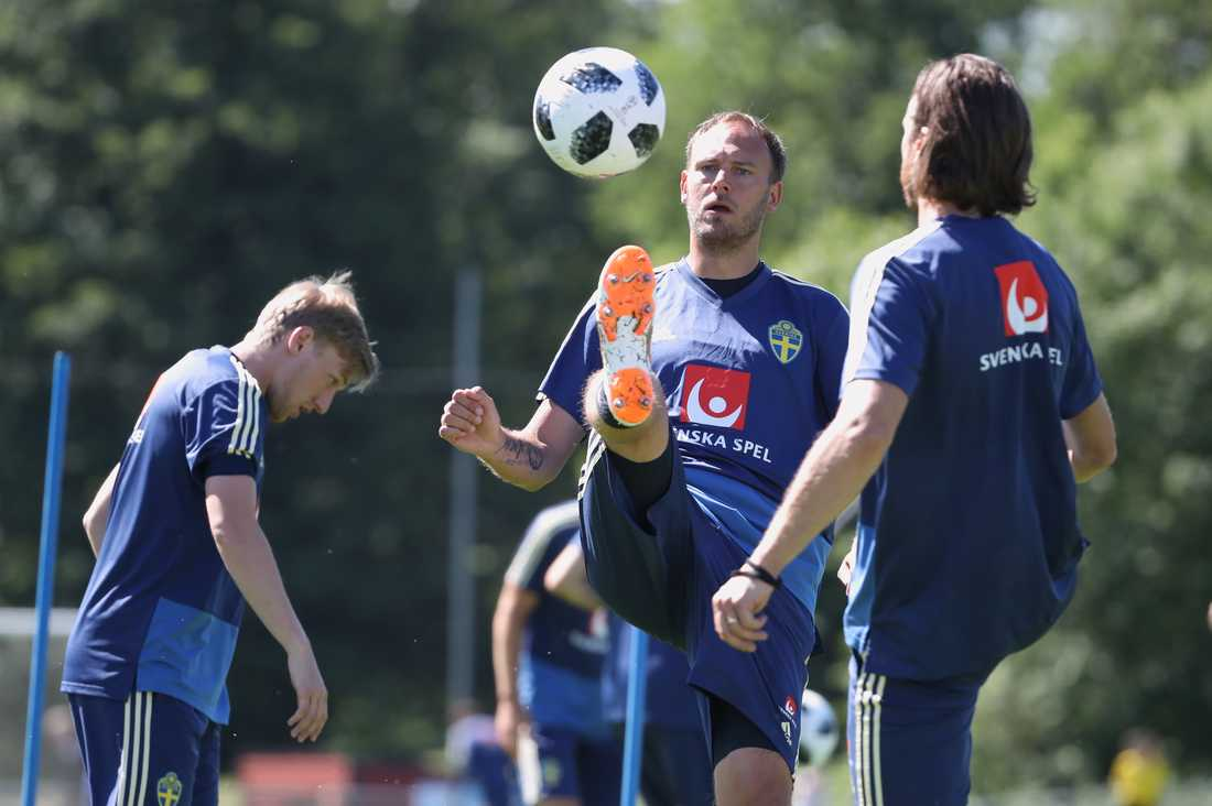 Precis som i fjol, före VM, laddar fotbollslandslaget i Båstad inför EM i sommar. Arkivbild.