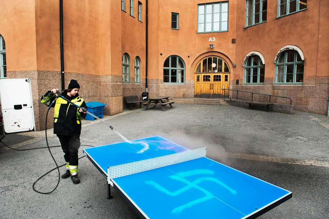 Brottet skadegörelse/klotter var den näst vanligaste brottstypen bland polisanmälda brott med hatbrottsmotiv i Sverige under 2018. Arkivbild.