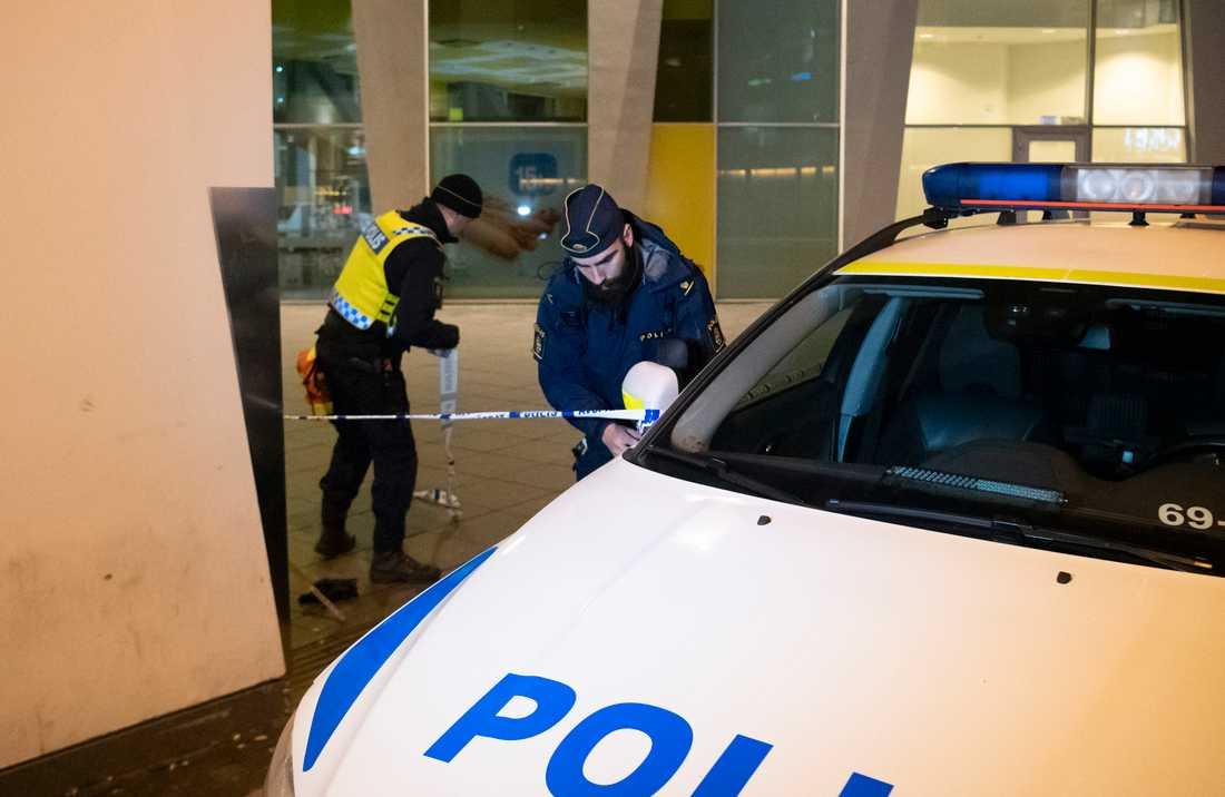 Två unga män har gripit för misstänkt grov misshandel på Hyllie station i Malmö. Arkivbil.