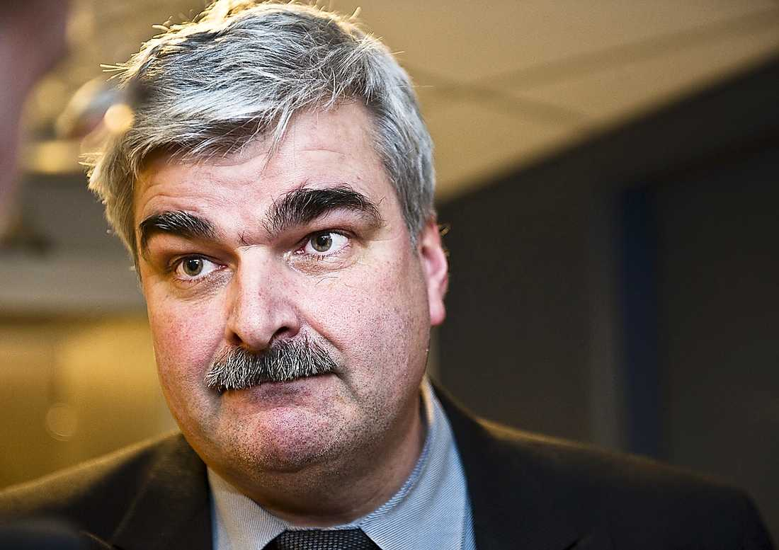 Håkan Juholt är inte nöjd.