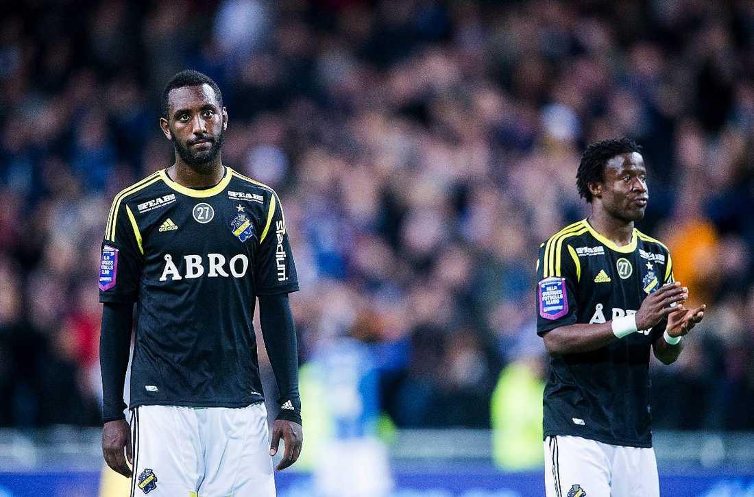 AIK har tappat poäng mot Syrianska, Mjällby och Halmstad. Men efter matchen mot IFK Göteborg var allt domarens fel, enligt Henok Goitom. Varför? Domaren hade missat att blåsa för offside.