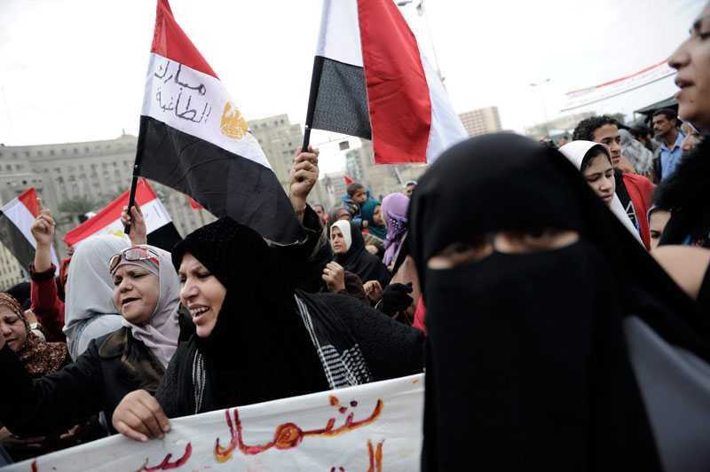 Alltfler kvinnor deltar i protesterna.