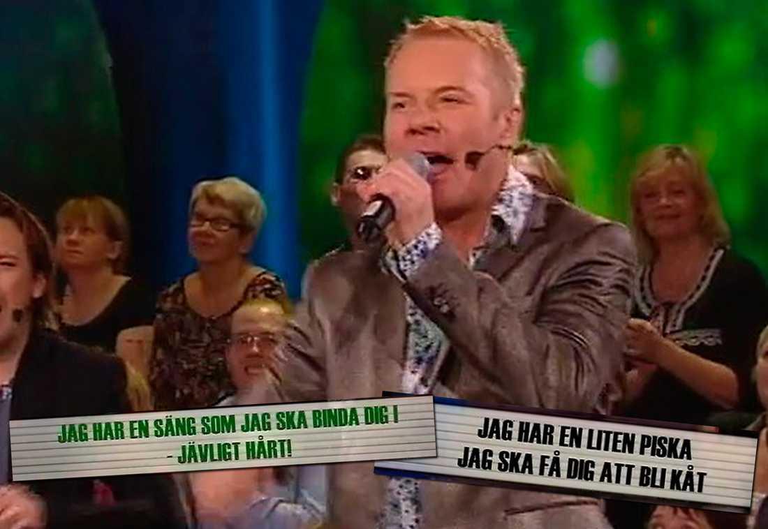 """barnförbjuden tv-show Christer Sandelin får i kvällens """"Sing along"""" i uppdrag att improvisera en låt av Ulf Lundell. Det blir en minst sagt speciell tolkning fylld med sexanspelningar. """"Man har inget manus och ingen tid att förbereda sig. Så det kan bli hur fan som helst"""", säger Christer Sandelin."""