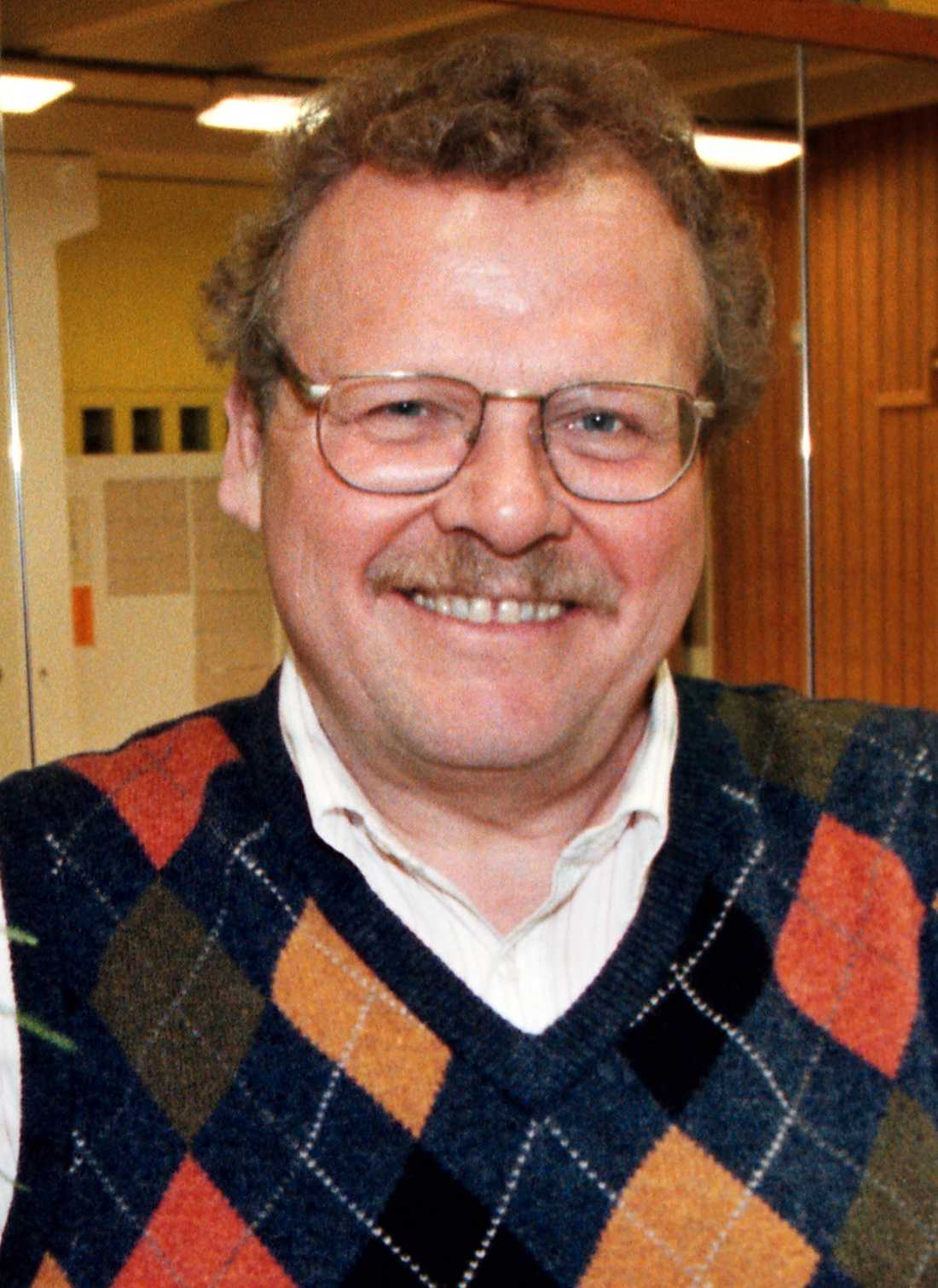 Hans Waldenström, 69: Anställdes som hallåa på 70-talet. Har även arbetat som språkvårdare på SR och SVT.