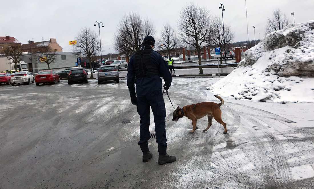 En person har knivskurits på en restaurang i Nässjö.