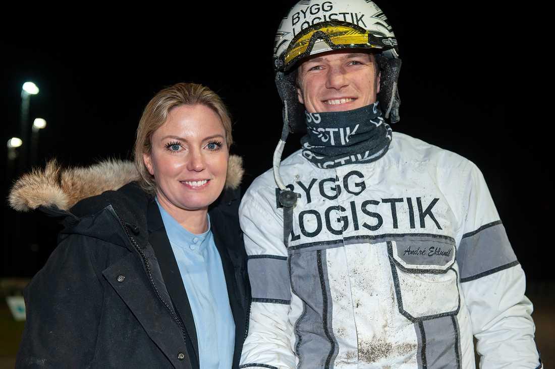 Sofia Aronsson och André Eklundh efter V75-segern.