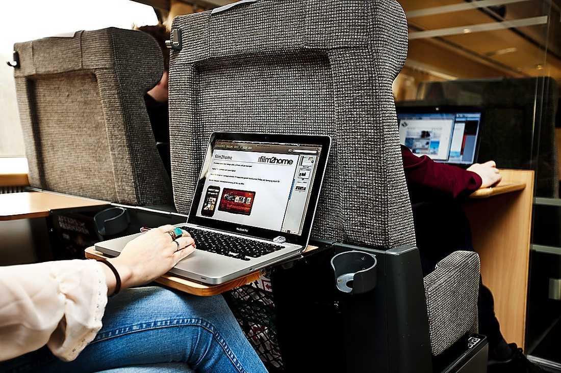 Snart måste vi betala för att slippa reklam på SJ-tåg, tror Rasmus Fleischer.