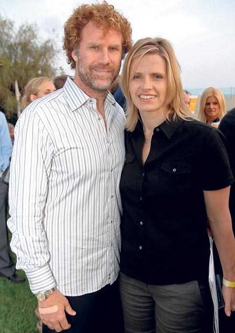 Will Ferrell och svenska hustrun Viveca Paulin brukar tillbringa somrarna i Sverige med barnen. Nu har de hittat drömhuset utanför Gnesta.
