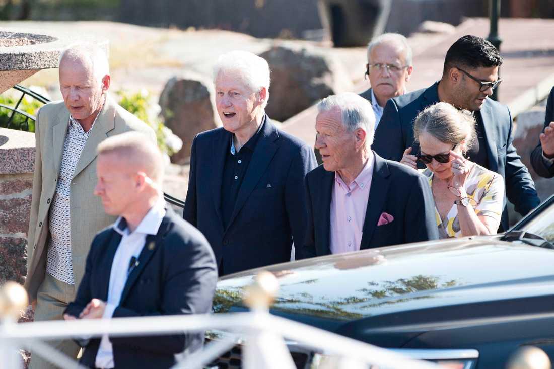 Bill Clinton anländer till Åland.