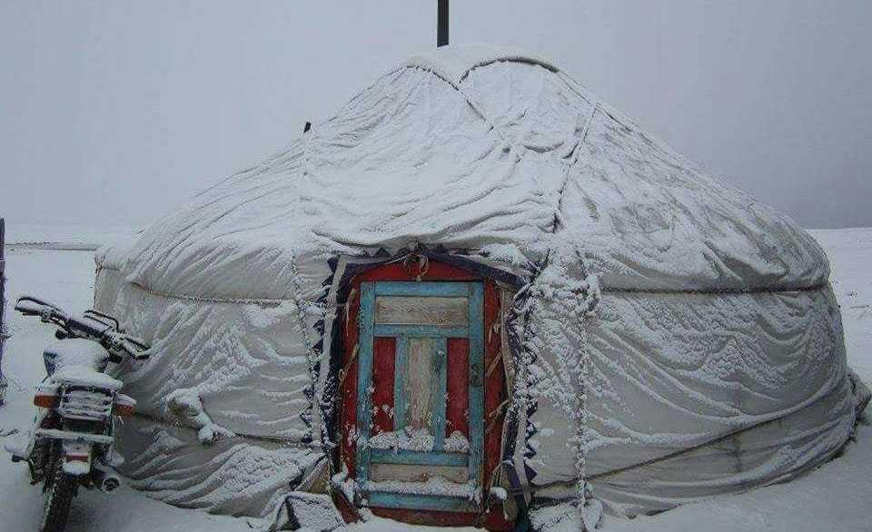 Hyr en yurt i Mongoliet.