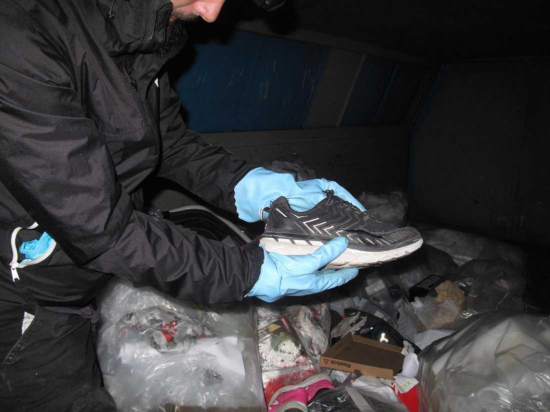 3204997d7d3b XXL skär sönder kläder kläder och skor och slänger dem | Aftonbladet