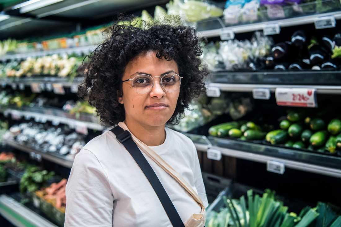 Är grönsakerna för dyra?– Ja, jag bodde i Tyskland tidigare, det är dyrare här. Där fanns flera varianter, både eko, reguljär och toppkvalitet. Här finns ingen variation, säger Wessam Abdrabo, 34, it-konsult, Stockholm.