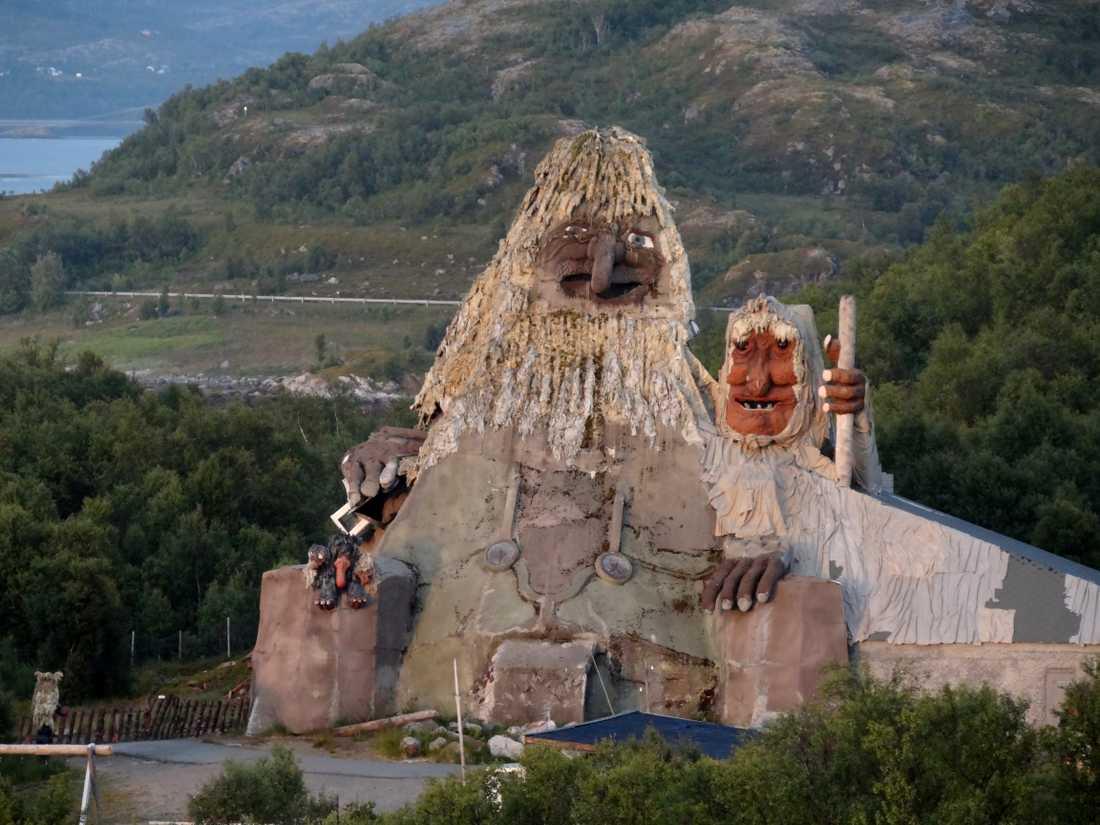 Turistattraktionen Senjatrollet i Nordnorge brann upp på torsdagen.