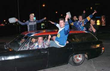 Överallt firades det, inte minst i bilar runt om i staden som väntat i nio långa år på att vinna SM-guld.