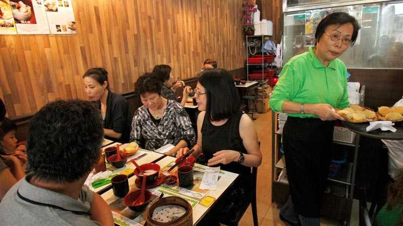 Restaurangen Tim Ho Wan kan bara ta emot 20 gäster och kön ringlar oftast lång utanför dörren.