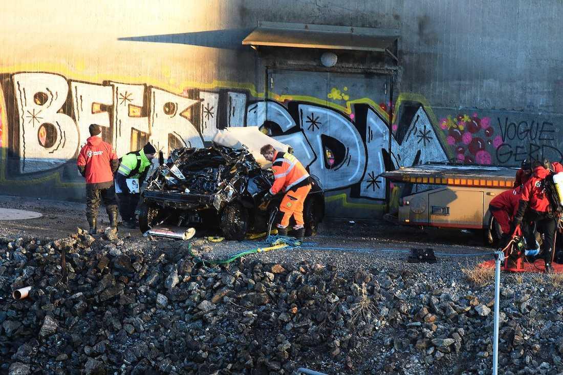 Bilvraket efter dödskraschen i Södertälje.