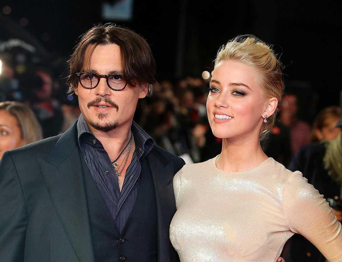 Amber Heard ansökte om skilsmässa från Johnny Depp måndagen den 23 maj.