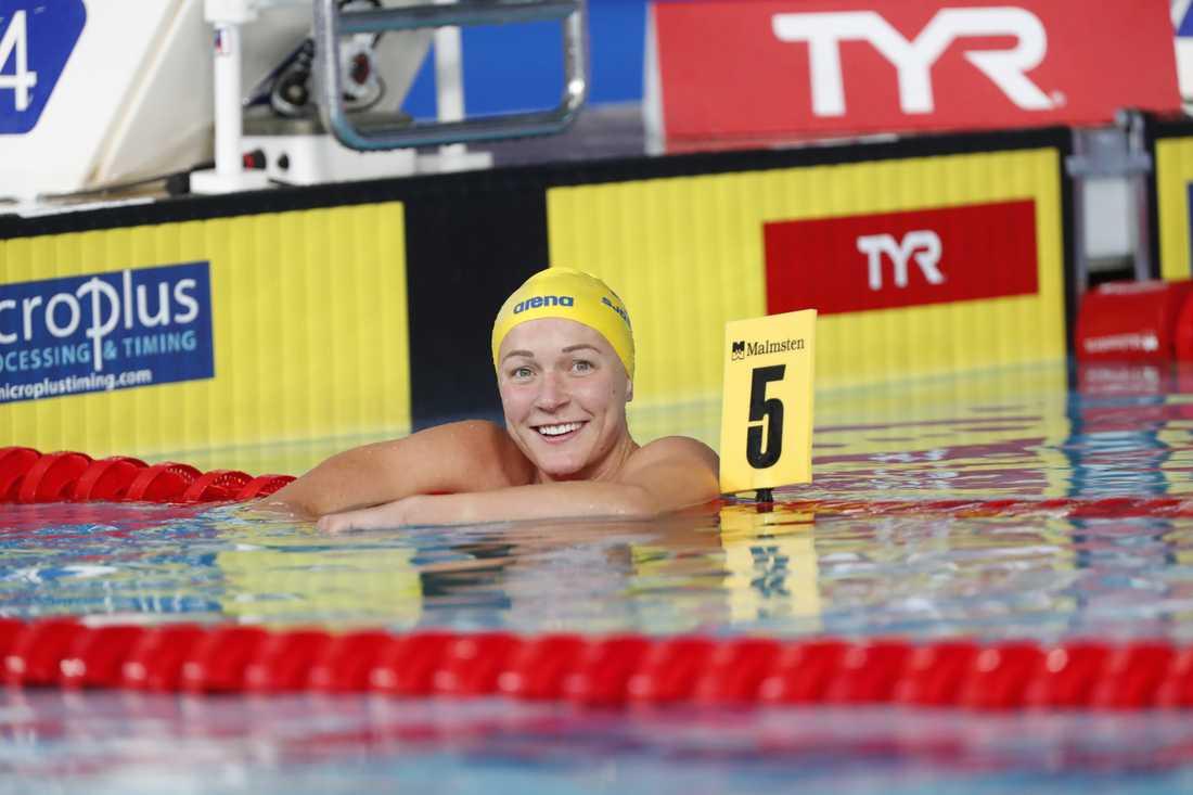 Sjöström efter ett av EM-gulden i Glasgow i augusti – det på 50 meter sjäril.