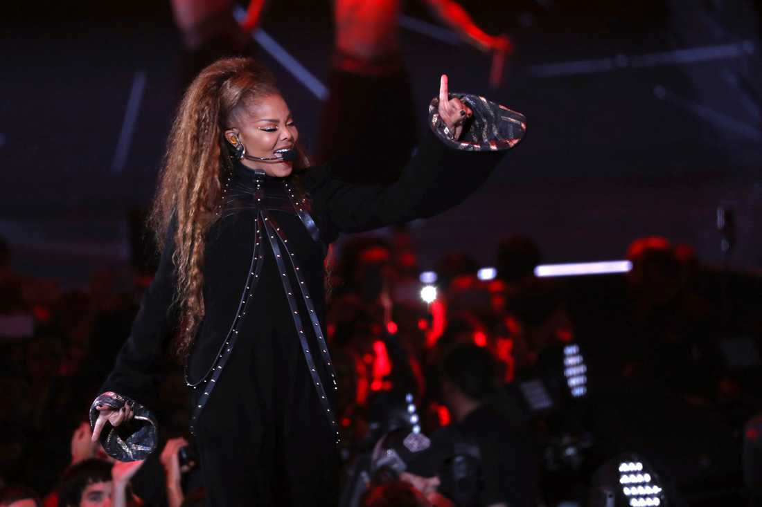 Sångerskan Janet Jackson fick både ta emot pris och uppträda under MTV-galan i Bilbao.