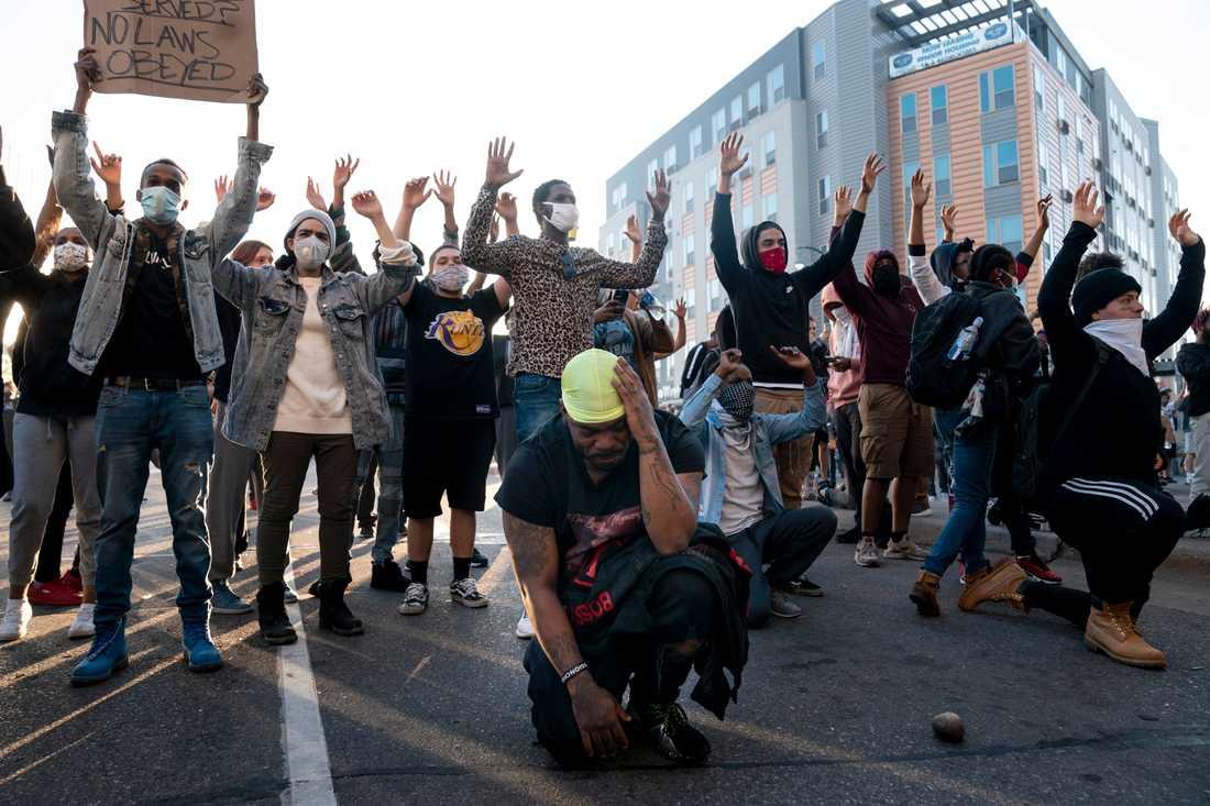 Protester mot polisens övervåld mot svarta har hållits i Minneapolis i flera dagar.