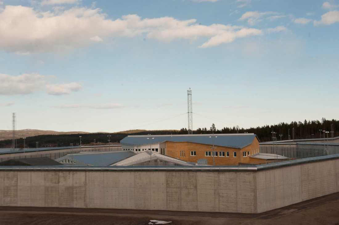 Männen var kollegor och jobbade som kriminalvårdare på Saltviksanstalten i Härnösand.