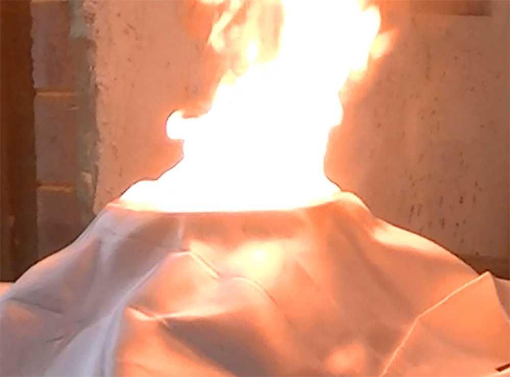 Sex brandfiltar underkändes i standardtestet och klarade inte av att släcka en brand i en gryta med matolja.