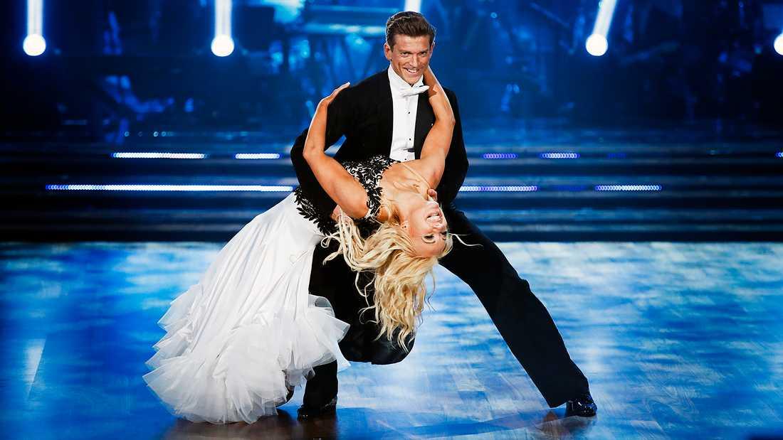 """Jesper Blomqvist och Malin Watson, vinnare av """"Let's dance"""" 2017."""
