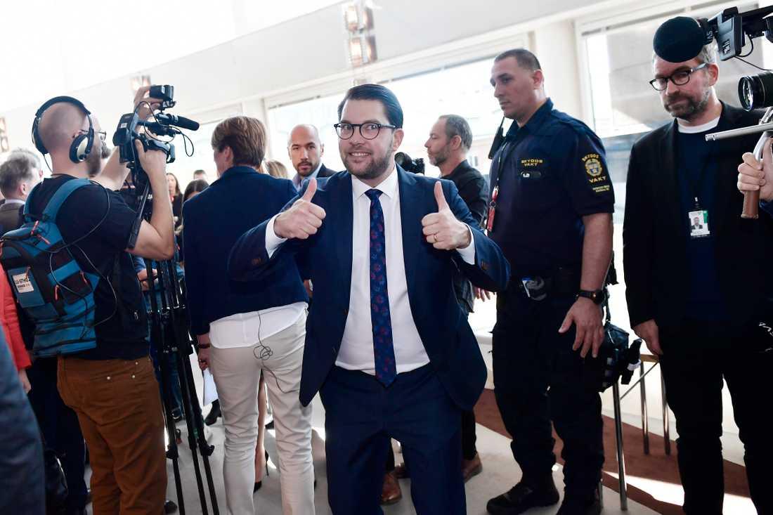 Jimmie Åkesson rasade mot SVT och bojkottade valvakan.
