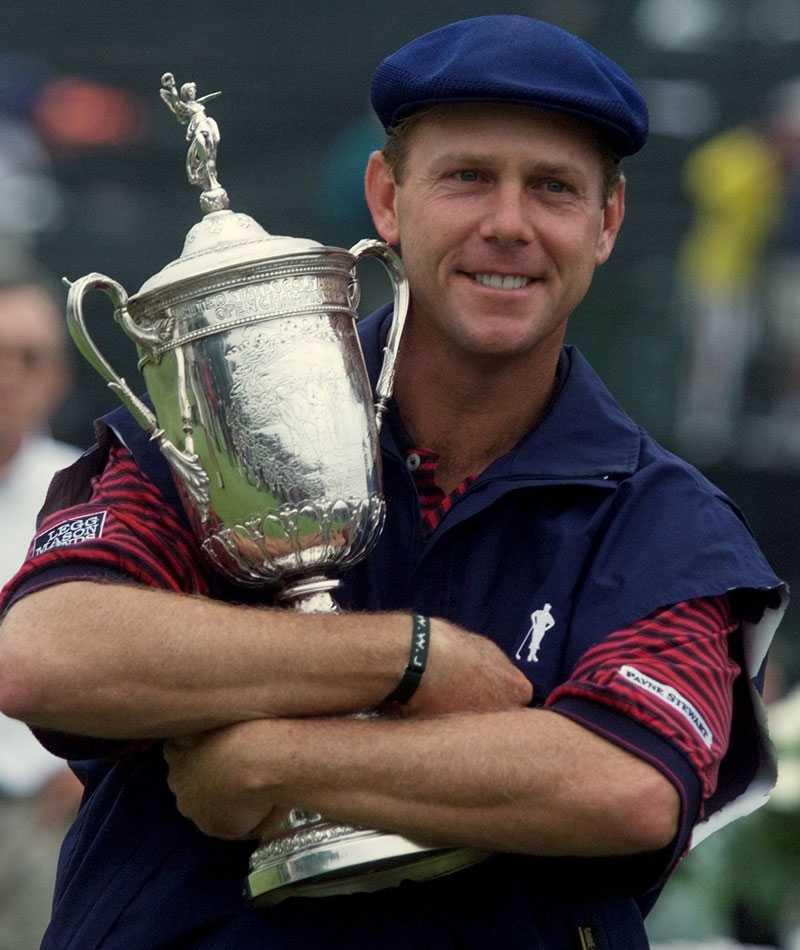 Payne Stewart (1957-1999) Golfsspelare från USA. Omkom i en flygolycka. Han själv, två piloter och två av hans affärsrådgivare var på väg från Florida till Texas i ett privatplan när olyckan inträffade.