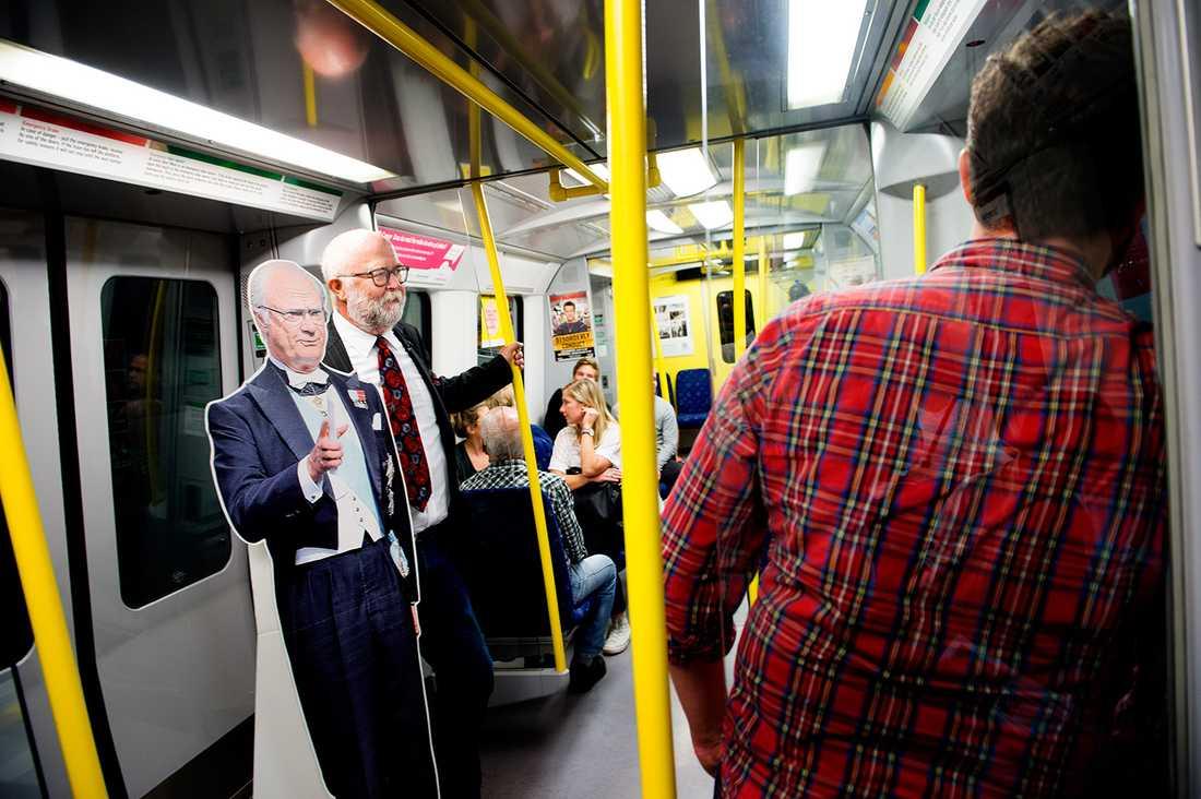 """""""Kollektivtrafik. Ingen gräddfil utan alla åker tillsammans."""""""