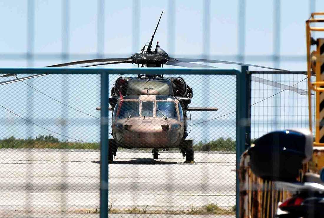 Den turkiska militärhelikoptern landade i Grekland tidigare idag. Åtta passagerare färdades i helikoptern och ska enligt uppgifter ha sökt asyl i Grekland.