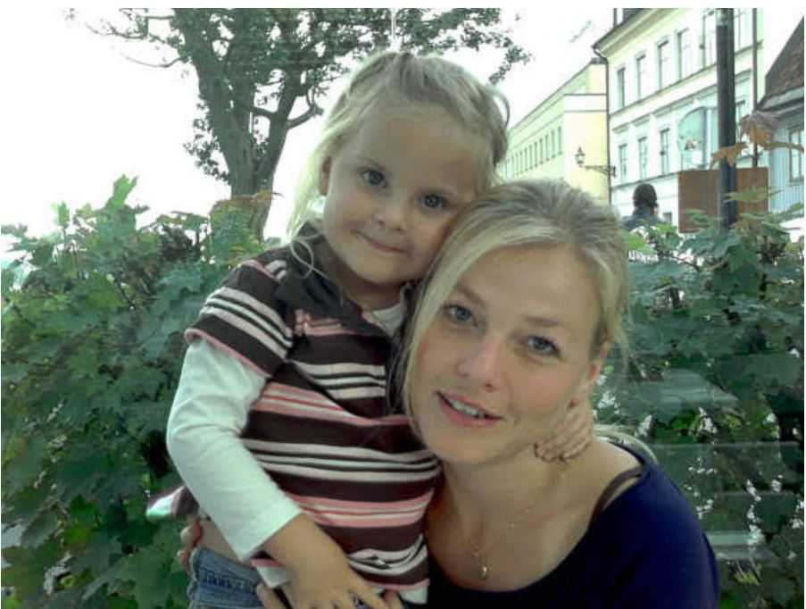 Malin tillsammans med dottern Liza.