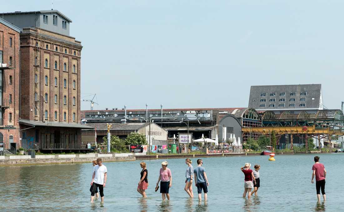 """Ayse Erkmens verk """"On Water"""" i Münster."""