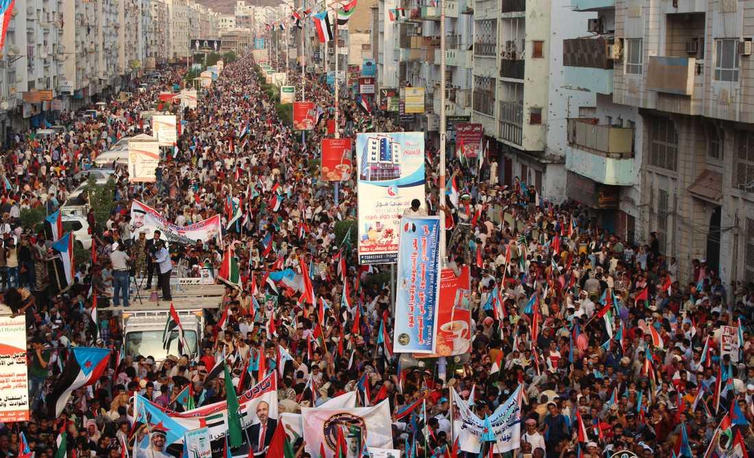 Separatister under en manifestation i Aden i södra Jemen i september i fjol. Arkivbild.