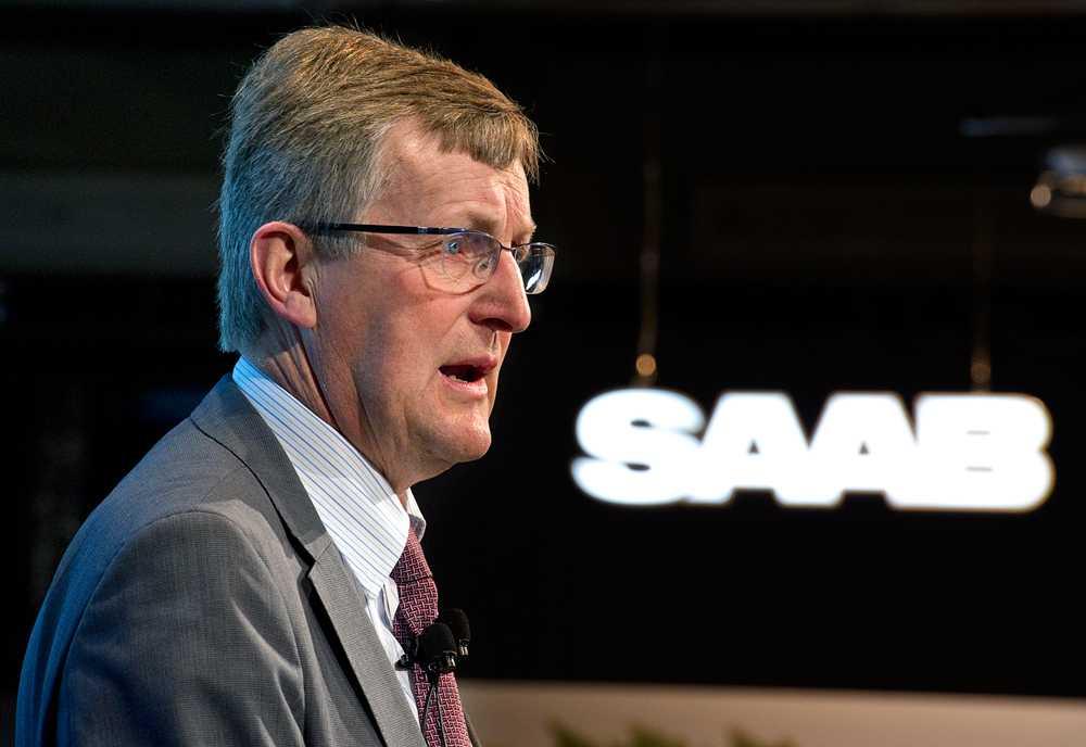 Jan Åke Jonsson, Saab Automobiles förre vd, är en av de tre personer som misstänks för brott.