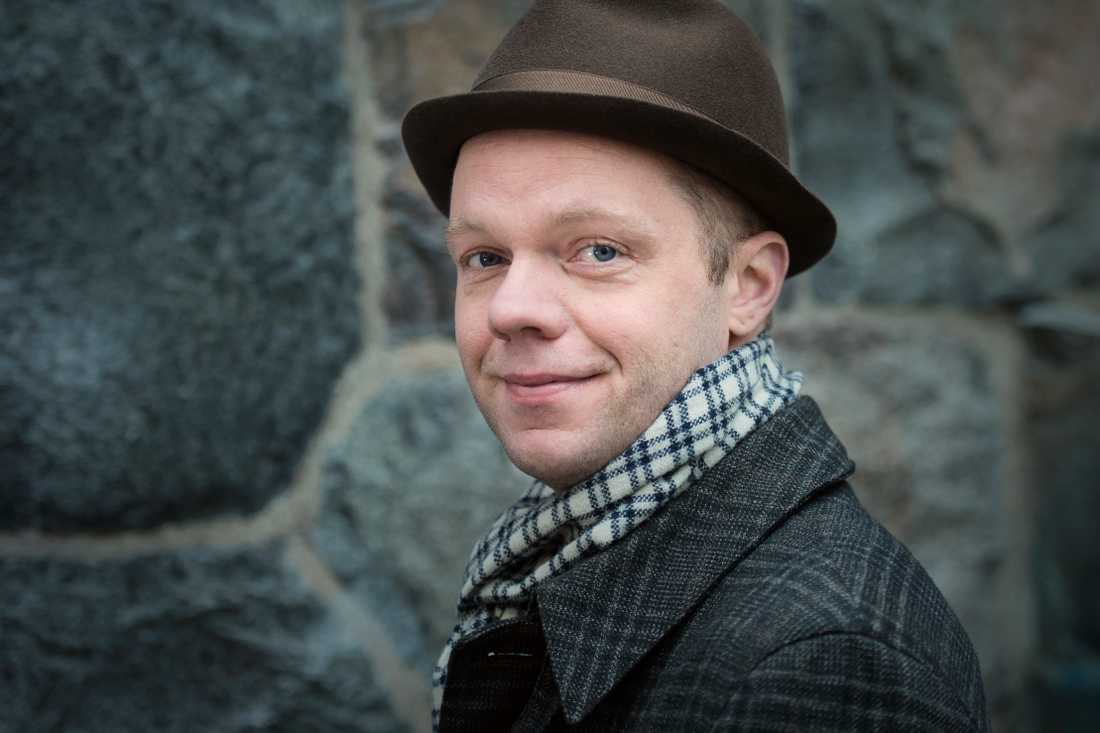 Olof Wretling är aktuell med sin nya föreställning.