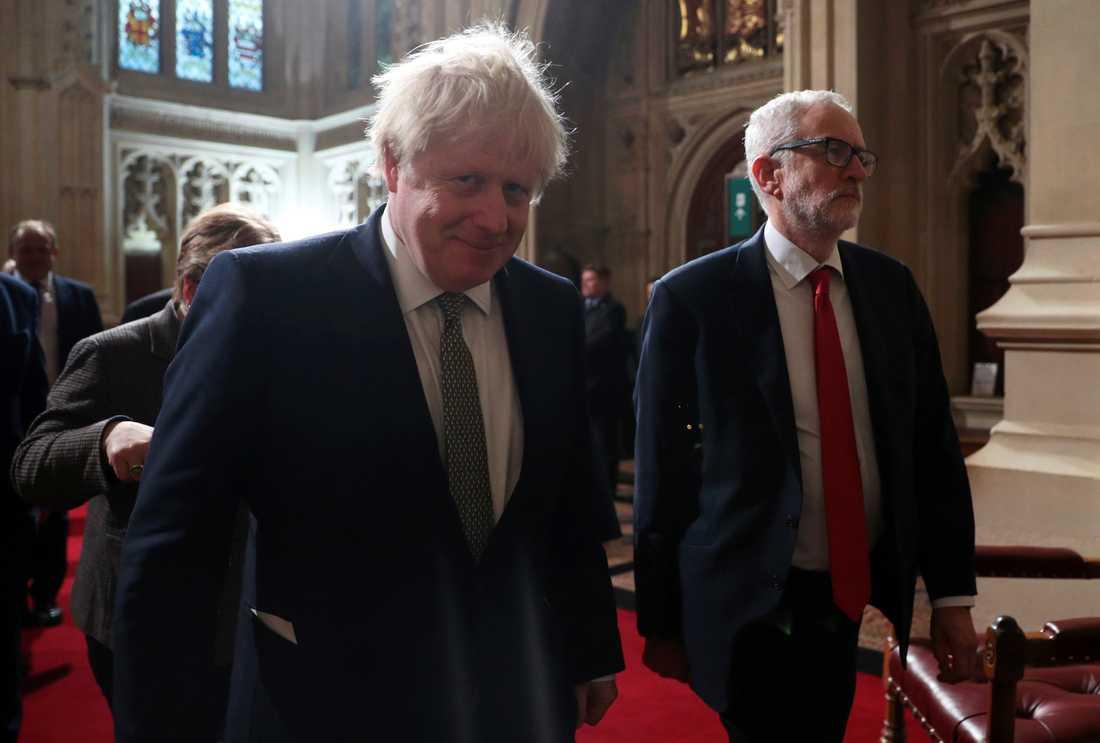 Rivalerna Boris Johnson och Labourledaren Jeremy Corbyn anländer till drottningens tal.